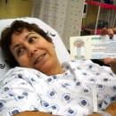 מקבלת כרטיס עם מספר הניתוח ותיכף יכניסו אותי לחדר ניתוח!
